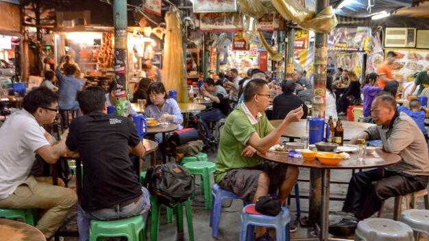 Azjatycki street food pod dachem. Bakalarska to już nie tylko bazar