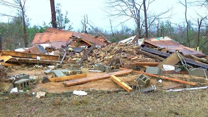 Tornada, burze, silny wiatr i śnieg w USA. Zginęło co najmniej 10 osób