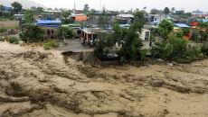 Powodzie w Timorze Wschodnim (PAP/EPA/ANTONIO DASIPARU)