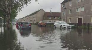 Powodzie wdarły się do szkockich domów